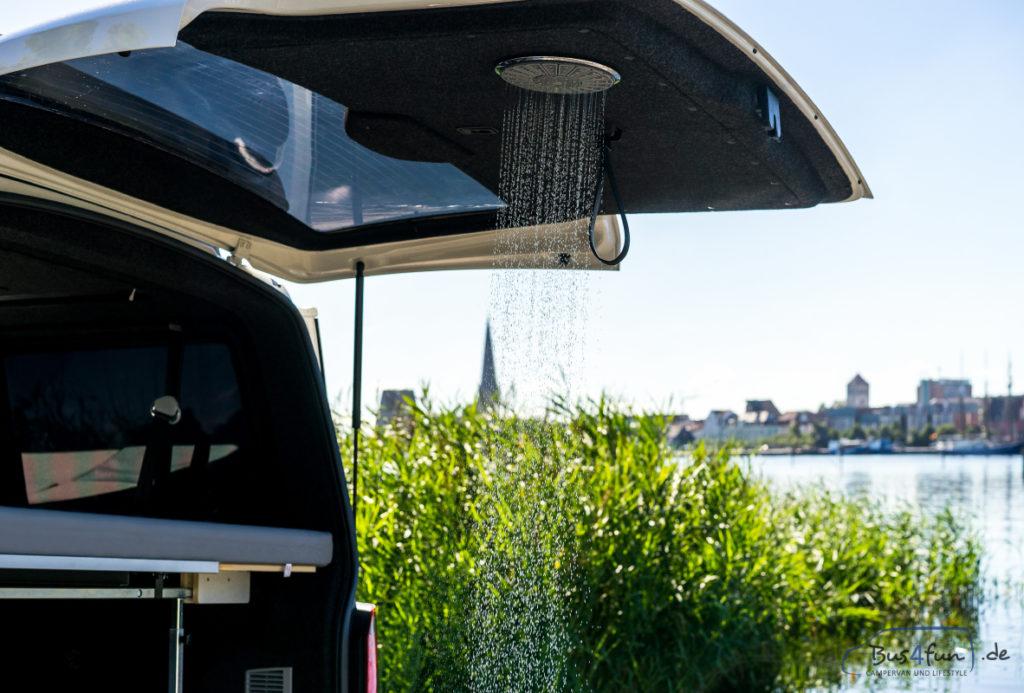 Dusche im camping bus