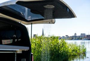 dusche-im-camping-bus