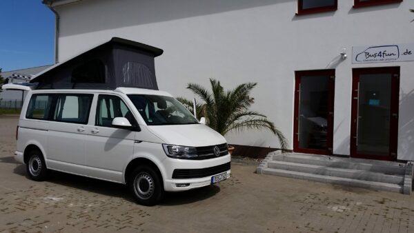 Low-Budget-Camper VW T5 mit Aufstelldach in weiß