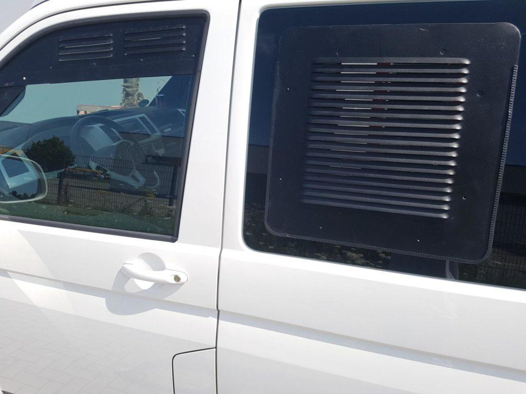 Lüftungsgitter für VW T5 / T6 für vordere Scheiben und Schiebefenster