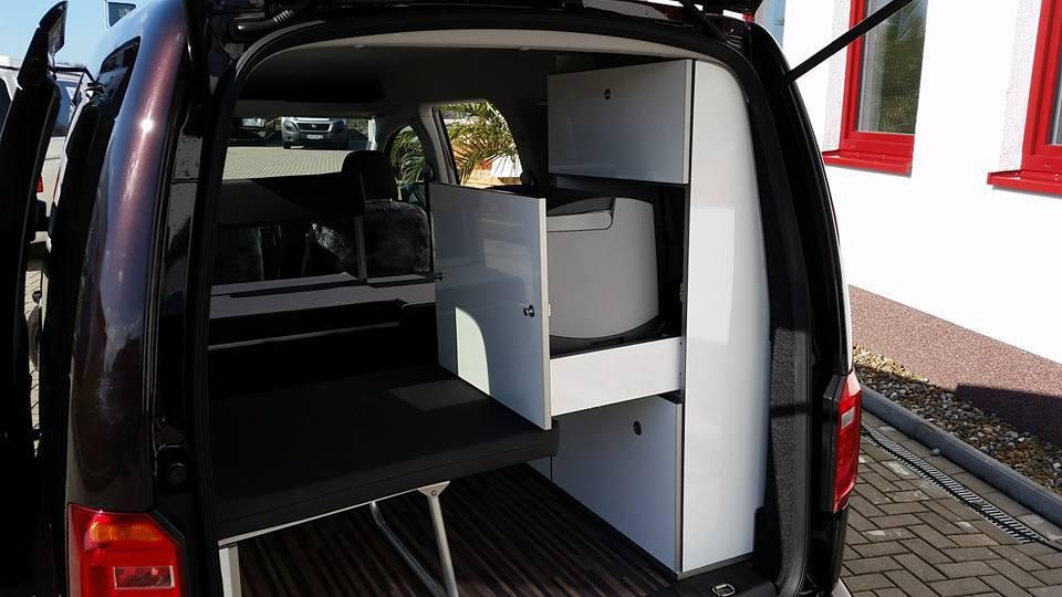 vw caddy maxi camper einbau einer reimo. Black Bedroom Furniture Sets. Home Design Ideas