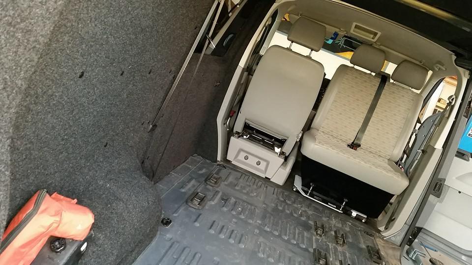 drehkonsole beifahrer doppelsitzbank vw t5 t6 mit t v. Black Bedroom Furniture Sets. Home Design Ideas