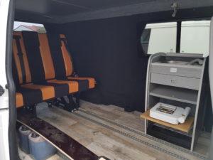 vw-t5-t6-schnierle-schlafsitzbank-bus-camper-mit-kuechenmodul