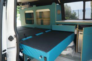 vw-t6-stylecamper-innen-schnierle-sitzbank-liegend-moebelzeile-liegend-bus4fun-b4f